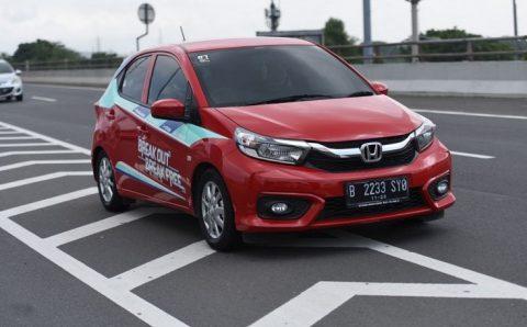 Mobil Hemat Bahan Bakar Sangat Cocok Untuk Berkendara ke Tempat Kerja